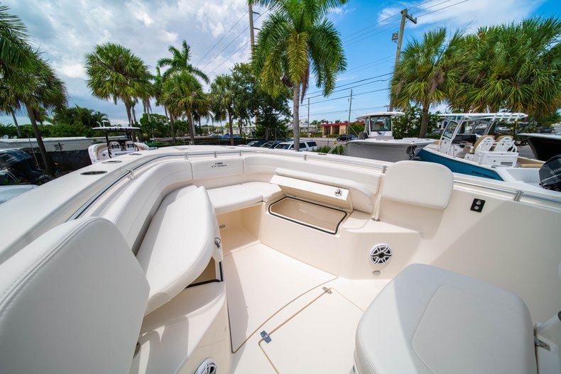 Thumbnail 33 for New 2020 Cobia 280 Center Console boat for sale in West Palm Beach, FL
