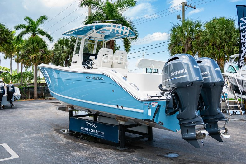 Thumbnail 5 for New 2020 Cobia 280 Center Console boat for sale in West Palm Beach, FL