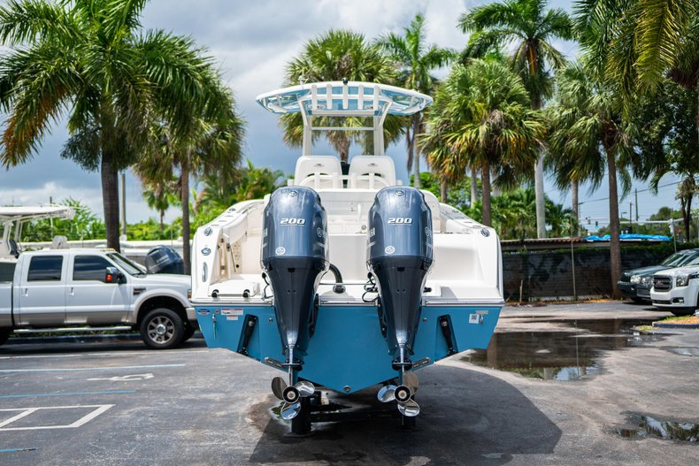Thumbnail 6 for New 2020 Cobia 280 Center Console boat for sale in West Palm Beach, FL