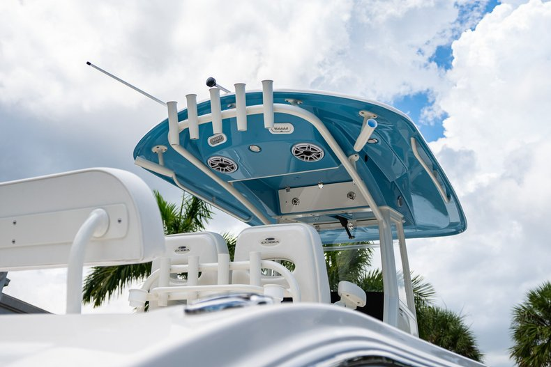 Thumbnail 8 for New 2020 Cobia 280 Center Console boat for sale in West Palm Beach, FL