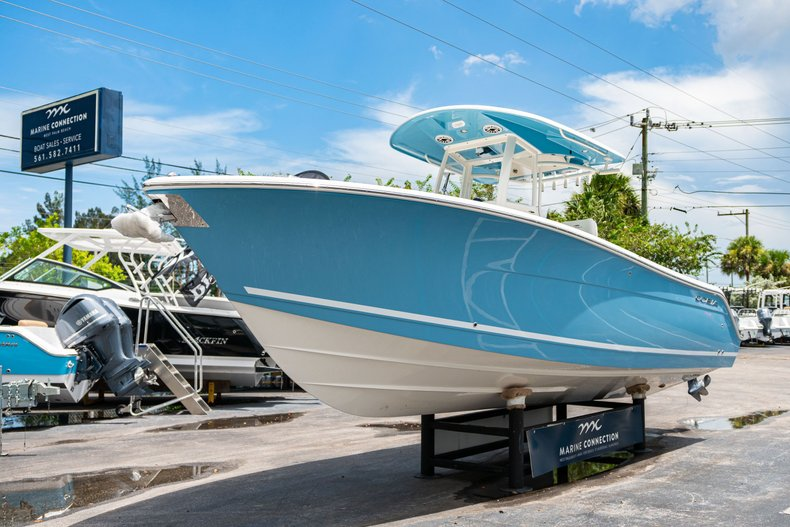 Thumbnail 3 for New 2020 Cobia 280 Center Console boat for sale in West Palm Beach, FL