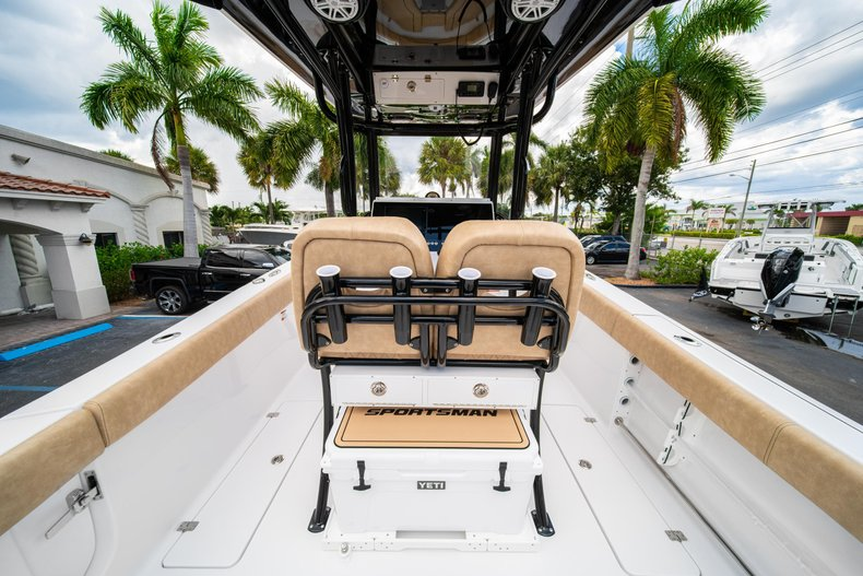 Thumbnail 16 for New 2020 Sportsman Open 252 Center Console boat for sale in Miami, FL