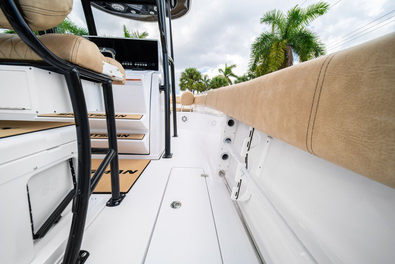 Thumbnail 18 for New 2020 Sportsman Open 252 Center Console boat for sale in Miami, FL