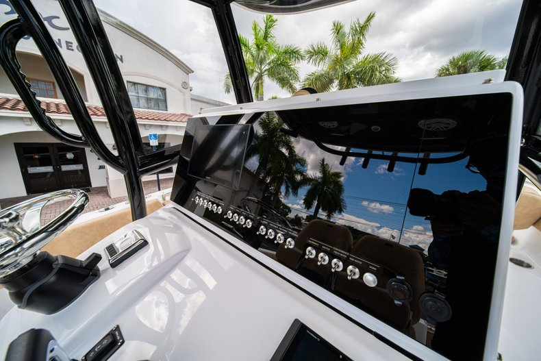 Thumbnail 25 for New 2020 Sportsman Open 252 Center Console boat for sale in Miami, FL