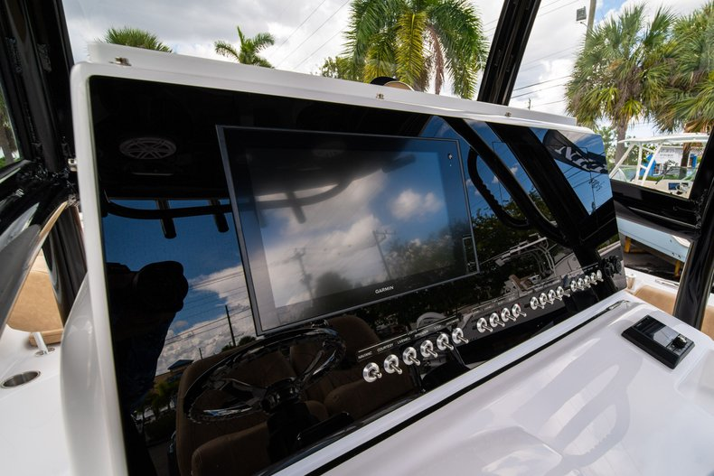 Thumbnail 29 for New 2020 Sportsman Open 252 Center Console boat for sale in Miami, FL