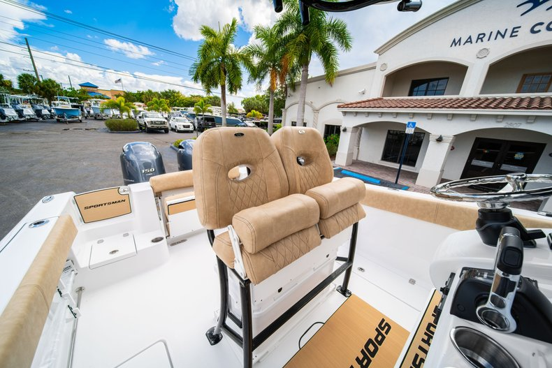 Thumbnail 31 for New 2020 Sportsman Open 252 Center Console boat for sale in Miami, FL