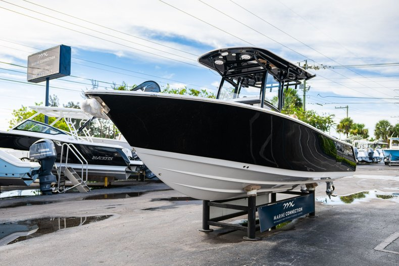 Thumbnail 3 for New 2020 Sportsman Open 252 Center Console boat for sale in Miami, FL