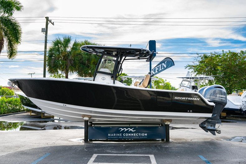 Thumbnail 4 for New 2020 Sportsman Open 252 Center Console boat for sale in Miami, FL