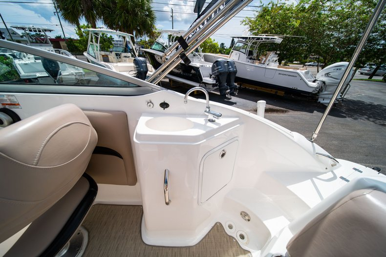 Thumbnail 16 for Used 2013 Hurricane SunDeck SD 2200 OB boat for sale in West Palm Beach, FL