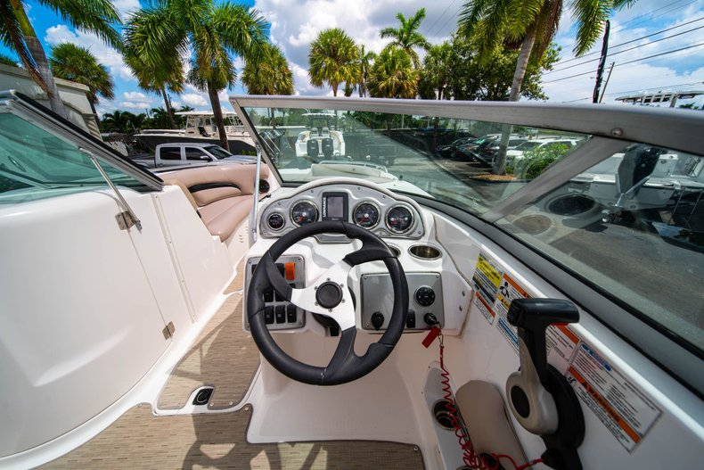 Thumbnail 18 for Used 2013 Hurricane SunDeck SD 2200 OB boat for sale in West Palm Beach, FL