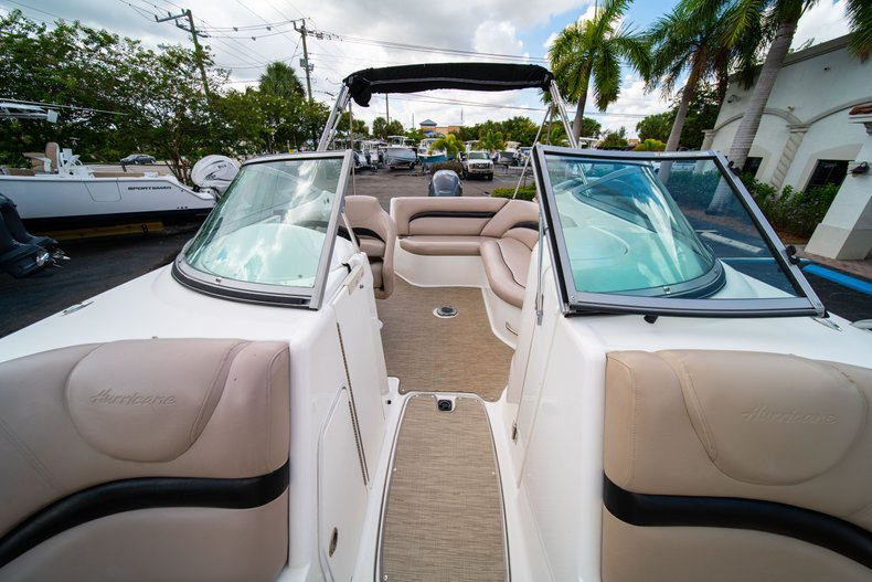 Thumbnail 40 for Used 2013 Hurricane SunDeck SD 2200 OB boat for sale in West Palm Beach, FL