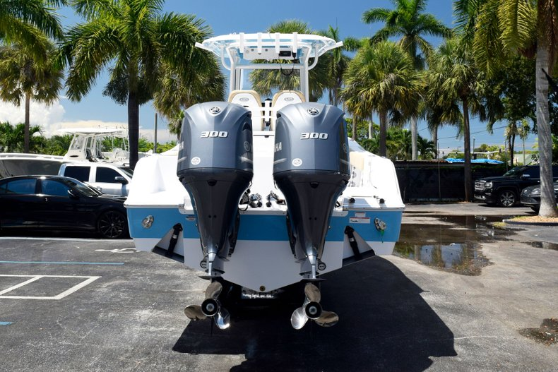 Thumbnail 7 for New 2020 Sportsman Open 282 Center Console boat for sale in West Palm Beach, FL