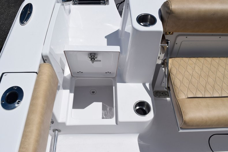 Thumbnail 11 for New 2020 Sportsman Open 282 Center Console boat for sale in West Palm Beach, FL