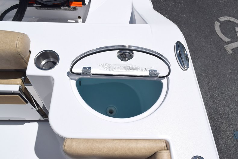 Thumbnail 15 for New 2020 Sportsman Open 282 Center Console boat for sale in West Palm Beach, FL