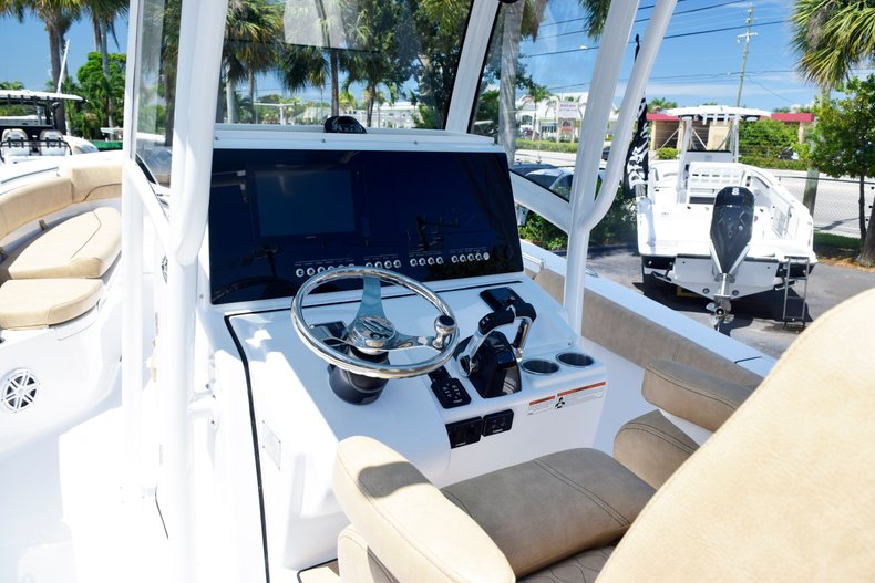 Thumbnail 27 for New 2020 Sportsman Open 282 Center Console boat for sale in West Palm Beach, FL
