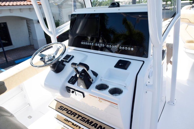 Thumbnail 32 for New 2020 Sportsman Open 282 Center Console boat for sale in West Palm Beach, FL