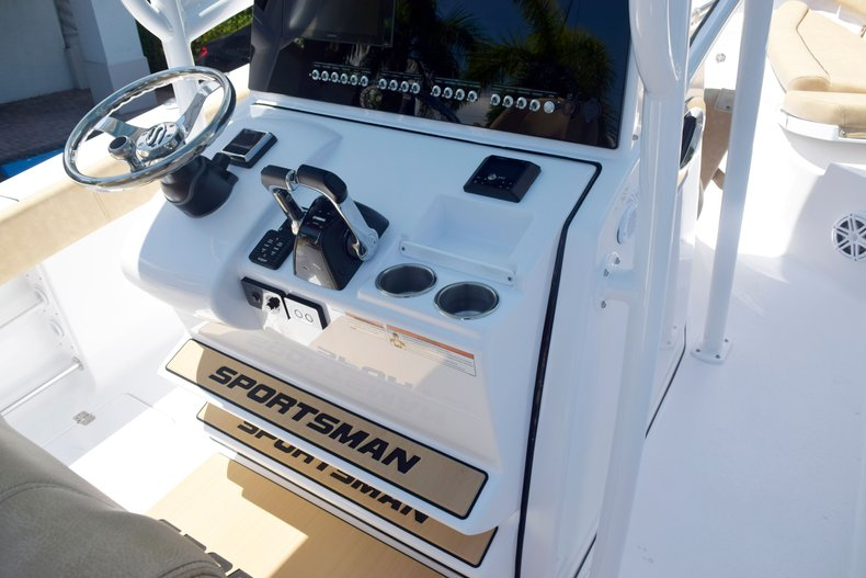 Thumbnail 33 for New 2020 Sportsman Open 282 Center Console boat for sale in West Palm Beach, FL