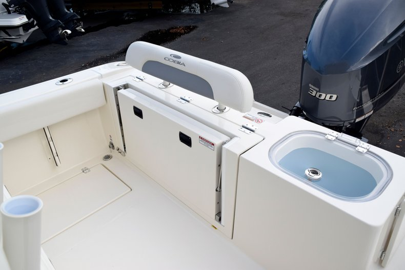 Thumbnail 12 for New 2020 Cobia 237 Center Console boat for sale in Fort Lauderdale, FL