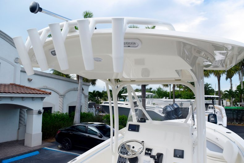 Thumbnail 9 for New 2020 Cobia 237 Center Console boat for sale in Fort Lauderdale, FL