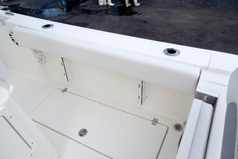 Thumbnail 25 for New 2020 Cobia 237 Center Console boat for sale in Fort Lauderdale, FL