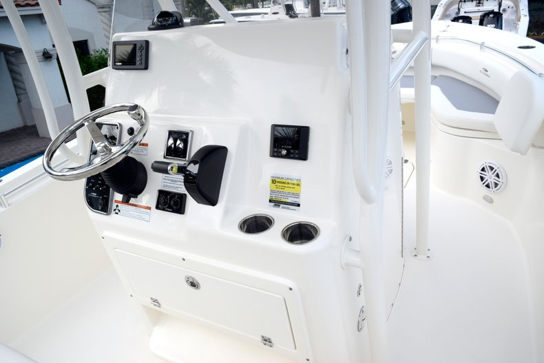 Thumbnail 34 for New 2020 Cobia 237 Center Console boat for sale in Fort Lauderdale, FL
