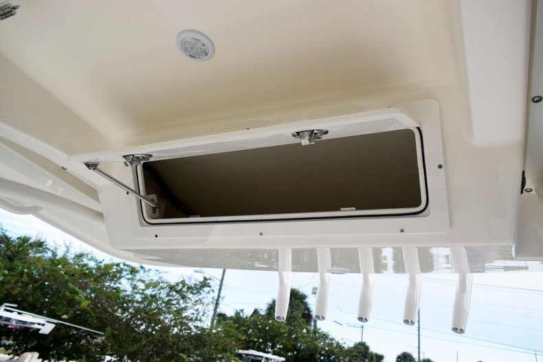 Thumbnail 49 for New 2020 Cobia 237 Center Console boat for sale in Fort Lauderdale, FL