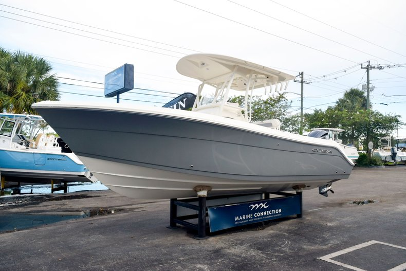 Thumbnail 3 for New 2020 Cobia 237 Center Console boat for sale in Fort Lauderdale, FL