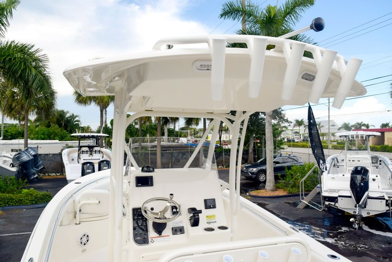 Thumbnail 11 for New 2020 Cobia 237 Center Console boat for sale in Fort Lauderdale, FL