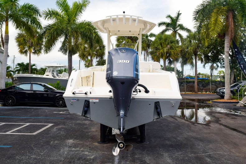 Thumbnail 6 for New 2020 Cobia 237 Center Console boat for sale in Fort Lauderdale, FL
