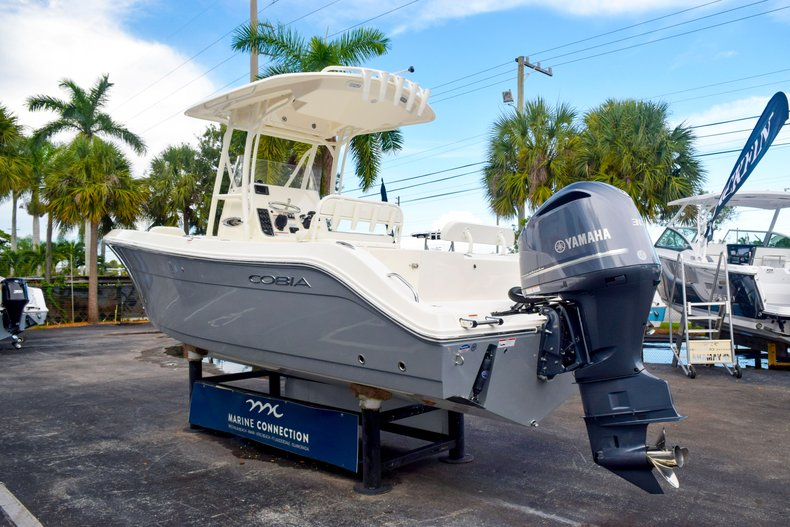 Thumbnail 5 for New 2020 Cobia 237 Center Console boat for sale in Fort Lauderdale, FL