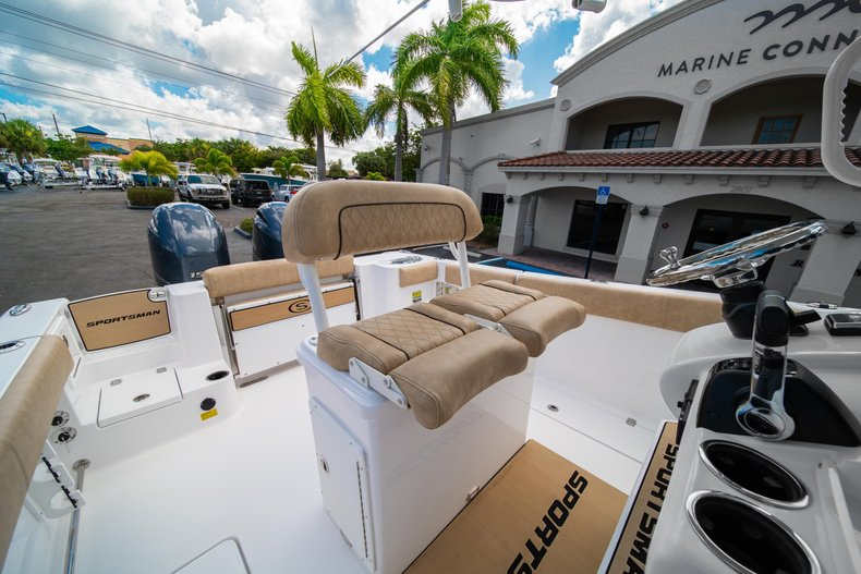 Thumbnail 27 for New 2020 Sportsman Open 252 Center Console boat for sale in West Palm Beach, FL
