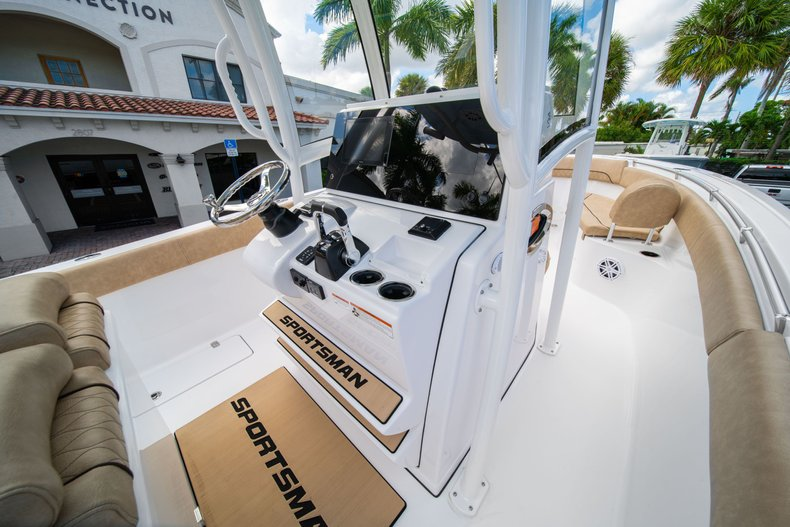 Thumbnail 31 for New 2020 Sportsman Open 252 Center Console boat for sale in West Palm Beach, FL