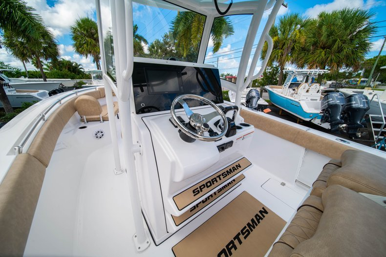 Thumbnail 35 for New 2020 Sportsman Open 252 Center Console boat for sale in West Palm Beach, FL