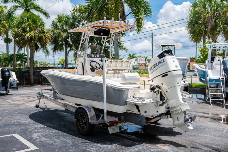 Thumbnail 5 for Used 2017 Pioneer Sportfish 202 boat for sale in West Palm Beach, FL