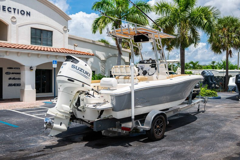 Thumbnail 7 for Used 2017 Pioneer Sportfish 202 boat for sale in West Palm Beach, FL