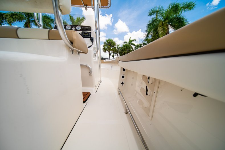 Thumbnail 19 for Used 2017 Pioneer Sportfish 202 boat for sale in West Palm Beach, FL