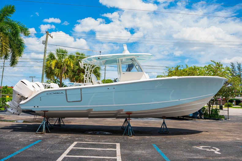 Thumbnail 4 for New 2020 Cobia 350 Center Console boat for sale in West Palm Beach, FL