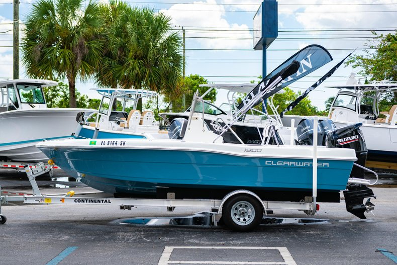 Thumbnail 4 for Used 2019 Clearwater 1900 CC boat for sale in West Palm Beach, FL