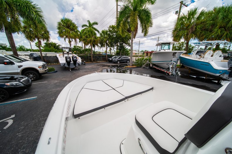 Thumbnail 25 for Used 2019 Clearwater 1900 CC boat for sale in West Palm Beach, FL