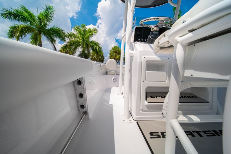 Thumbnail 16 for New 2020 Sportsman Heritage 211 Center Console boat for sale in West Palm Beach, FL