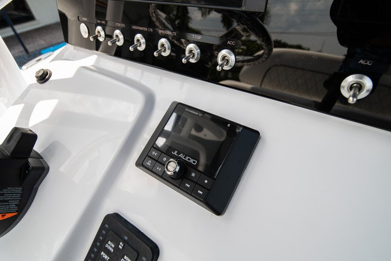 Thumbnail 20 for New 2020 Sportsman Heritage 211 Center Console boat for sale in West Palm Beach, FL