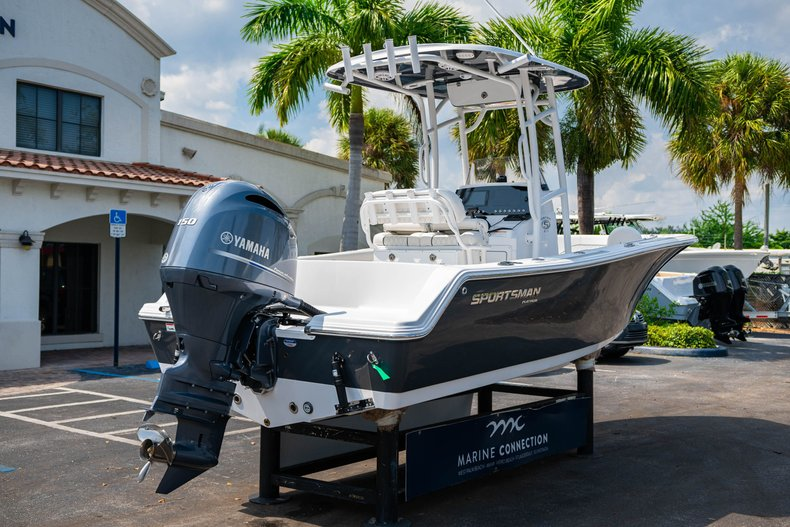 Thumbnail 7 for New 2020 Sportsman Heritage 211 Center Console boat for sale in West Palm Beach, FL