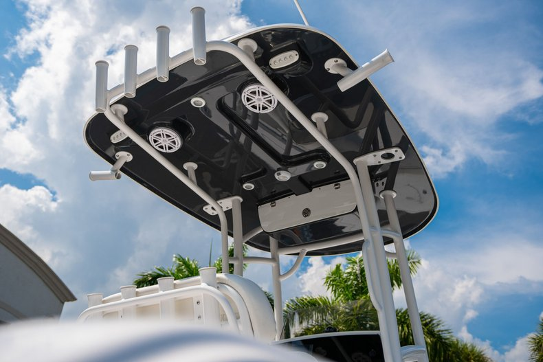 Thumbnail 8 for New 2020 Sportsman Heritage 211 Center Console boat for sale in West Palm Beach, FL