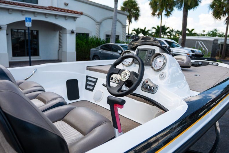 Thumbnail 10 for Used 2007 NITRO 482 Bass Boat boat for sale in West Palm Beach, FL
