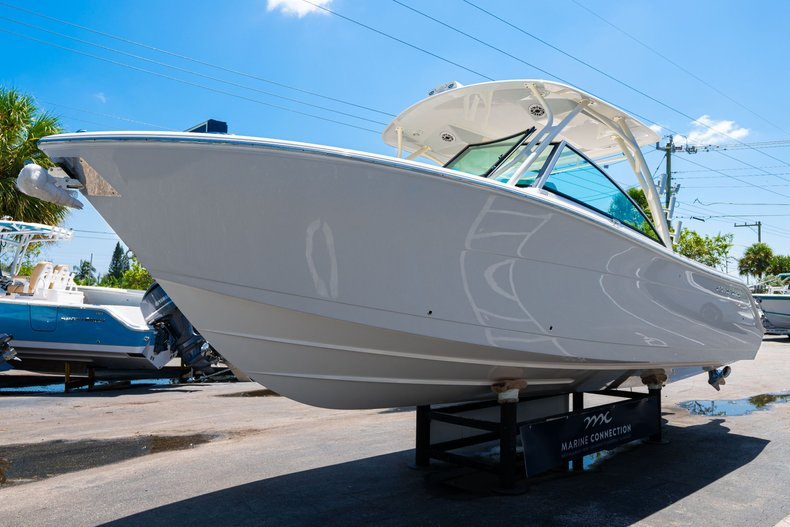 Thumbnail 3 for New 2020 Cobia 280 DC Dual Console boat for sale in West Palm Beach, FL