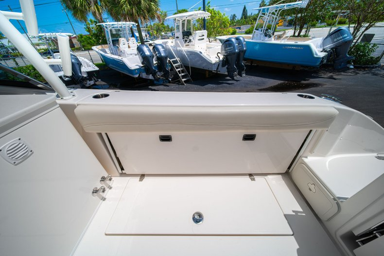 Thumbnail 12 for New 2020 Cobia 280 DC Dual Console boat for sale in West Palm Beach, FL