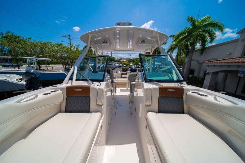 Thumbnail 43 for New 2020 Cobia 280 DC Dual Console boat for sale in West Palm Beach, FL