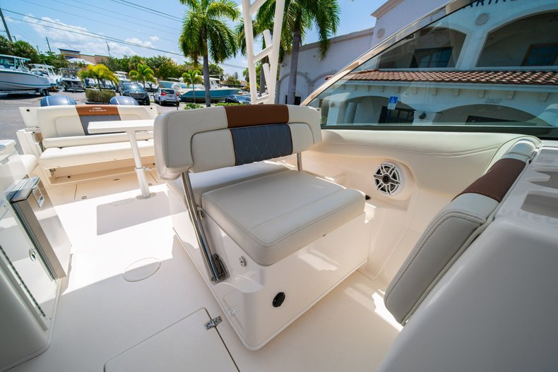 Thumbnail 33 for New 2020 Cobia 280 DC Dual Console boat for sale in West Palm Beach, FL