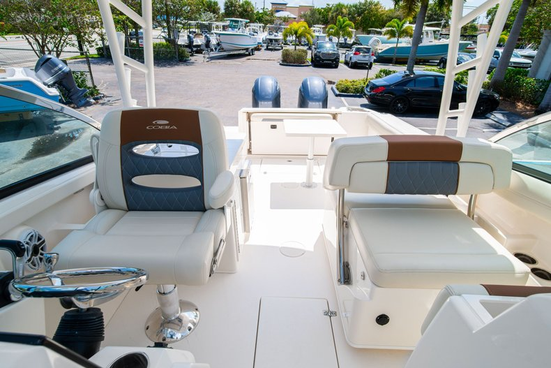Thumbnail 36 for New 2020 Cobia 280 DC Dual Console boat for sale in West Palm Beach, FL
