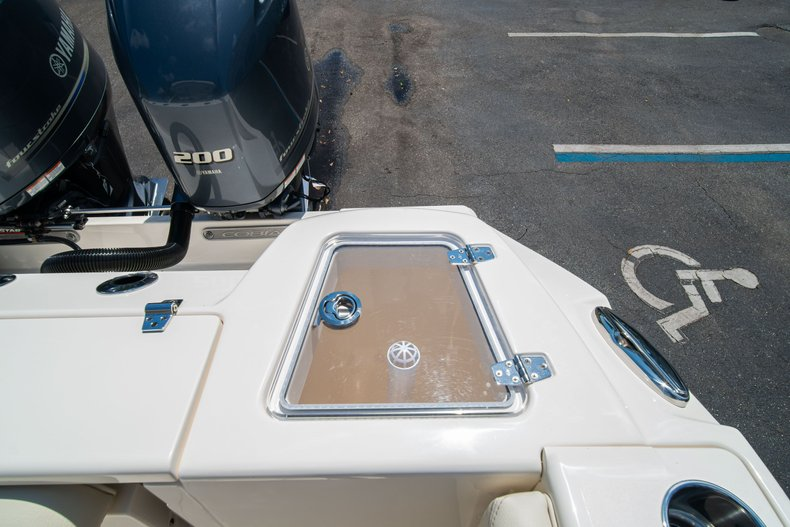 Thumbnail 18 for New 2020 Cobia 280 DC Dual Console boat for sale in West Palm Beach, FL